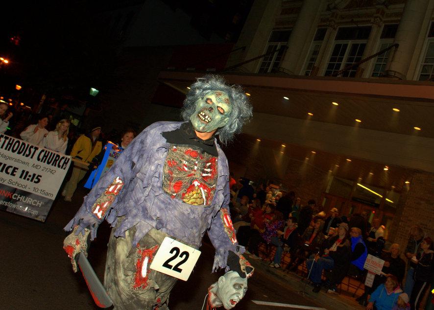 Хэллоуин-парад  в городке  Хагерстаун, шатат Мэриленд. №22 (?)