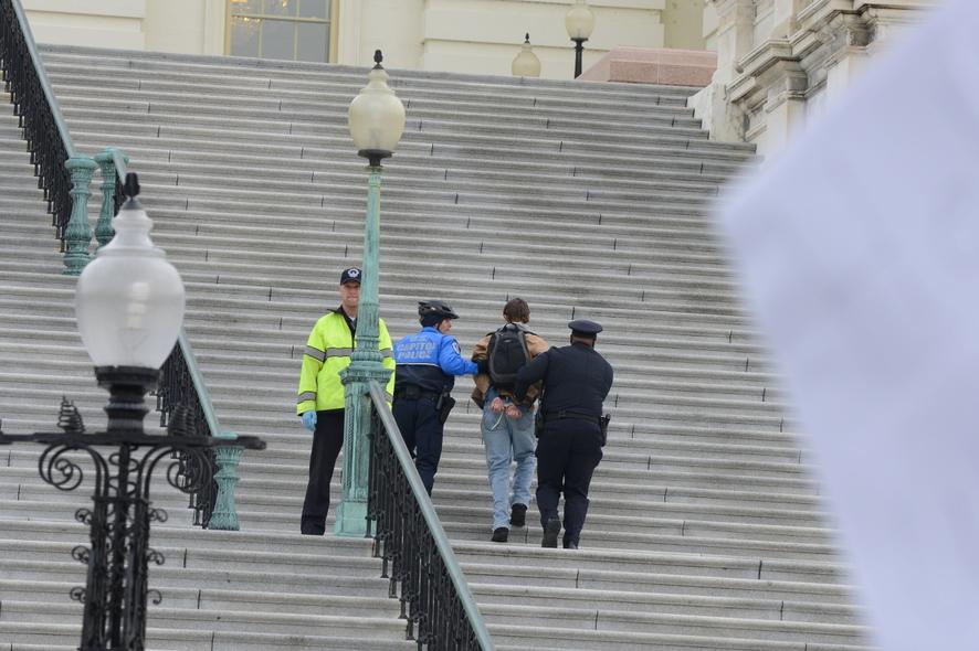 «Первый пошел…»  Арест активиста
