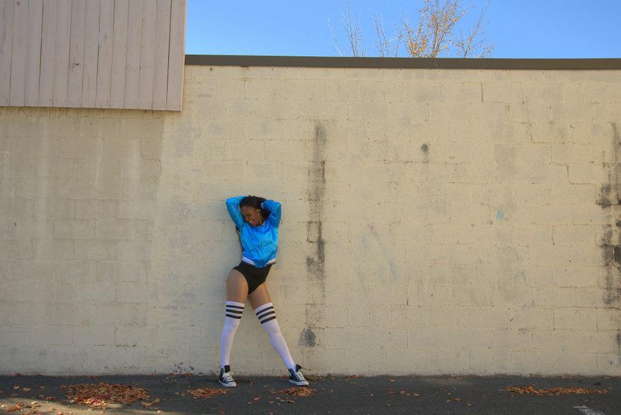 Танцовщица. Разминка перед парадом