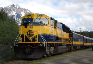 Сейчас единственные проходящие через Аляску поезда следуют от Сьюарда на побережье на 760 километров вглубь материка. Они доставляют туристов в Национальный парк Денали и грузы на две военные базы. Фото: Федор Соловьев