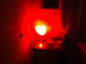 В спальне снятой мной тбилисской квартиры стоял такой уникальный ночной светильник. Фото: «Голос Америки»/Джеймс Брук