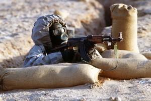 Подготовка сирийских солдат. АК-47, противогаз советских времен. Courtesy H.H. Deffner
