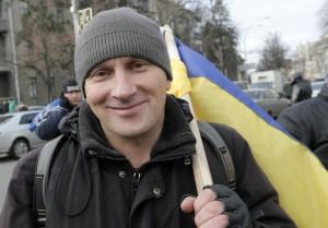 Леонид выступает за сближение с ЕС. Львов. AP Photo: Efrem Lukatsky