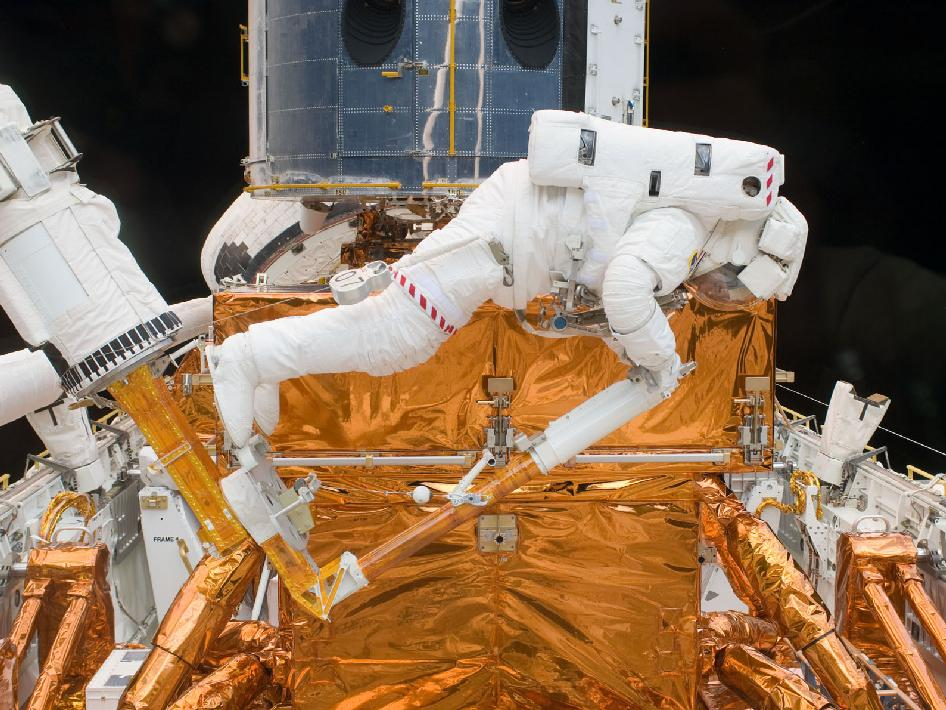 Hubble's final service call - STS-125 Mission Specialist Michael Good, May 2009 (Photo: NASA)