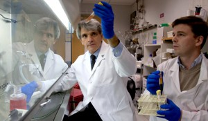 Research team members Stephen Hauser, MD, and Pierre-Antoine Gourraud, PhD, in the lab at UCSF. (Photo: USCF)