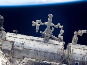 Dextre at Work (Photo: NASA)