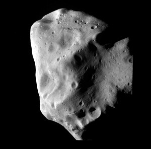 Image of the asteroid Lutetia taken at Rosetta's closest approach.(© ESA 2010 MPS for OSIRIS Team MPS/UPD/LAM/IAA/RSSD/INTA/UPM/DASP/IDA)