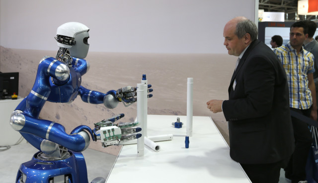 Those who attended the 6th International Trade Fair for Automation and Mechatronics that was held from June 3 to June 6, 2014 in Munich got to visit with the humanoid robot 'Agile Justin'. (Reuters)