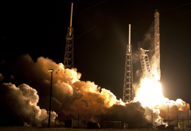 A SpaceX Falcon 9 rocket carrying the Dragon ISS resupply spacecraft lifts-off from the Cape Canaveral Air Force Station in Cape Canaveral, Fla., on Saturday, Jan. 10, 2015. SpaceX attempted to land the booster rocket on a barge in the Atlantic, after the launch, but it crashed instead. (AP)