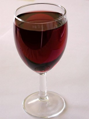 A glass of red wine (Public Domain/Wikimedia Commons)
