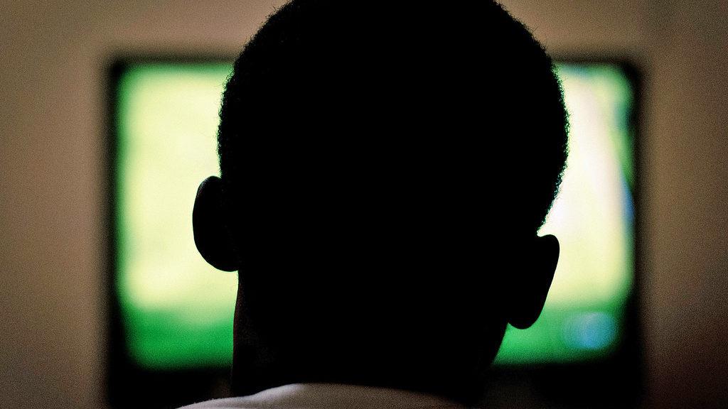 Watching television (Al Ibrahim via Flickr/Creative Commons)