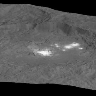 New image of Ceres' Occator crater with mysterious bright spots take by NASA's Dawn spacecraft (NASA/JPL-Caltech/UCLA/MPS/DLR/IDA/PSI)