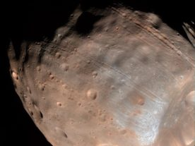 Color image of Martian moon Phobos (NASA/JPL-Caltech/University of Arizona)