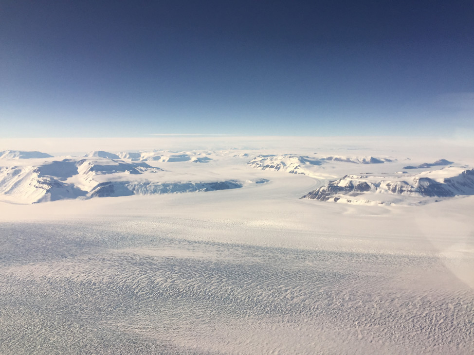 A view of the Beardmore Glacier, and the Polar ice cap beyond. (Photo by Refael Klein)