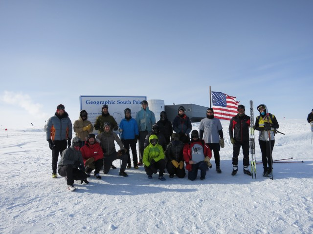 A group photo before the start of the 2016 South Pole Marathon.