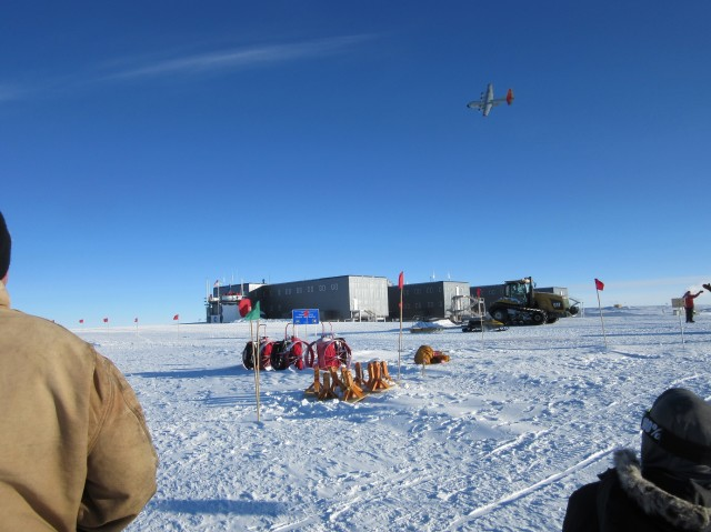 After taking off, the plane unexpectedly turns back toward the station. It circles the South Pole and then heads back towards McMurdo Station in Antarctica. (Photo: Tim Ager)