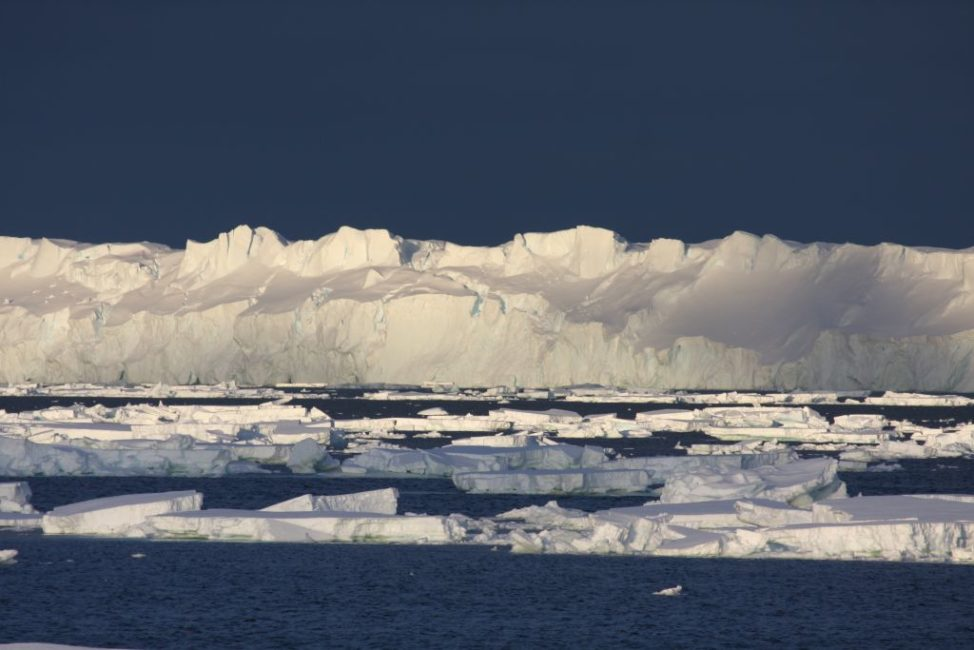 Totten Glacier (Esmee van Wijk/Australian Antarctic Division)