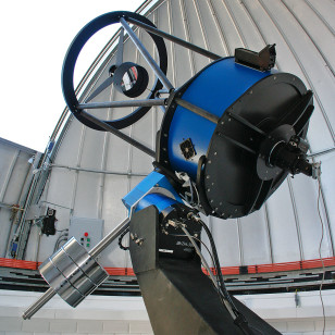 The TRAPPIST (TRAnsiting Planets and PlanetesImals Small Telescope) at La Silla Observatory, in Chile. The 60-cm telescope is operated from a control room in Liège, Belgium, 12 000 km away. (E. Jehin/ESO)