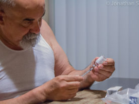 Diabetic patient prepares a dose of insulin for injection (Silva via Flickr/Creative Commons)