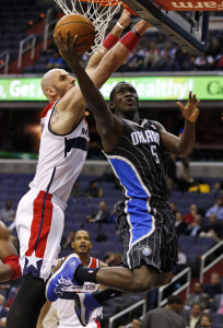 Victor Oladipo shoots under Washington Wizards center Marcin Gortat. Photo: AP