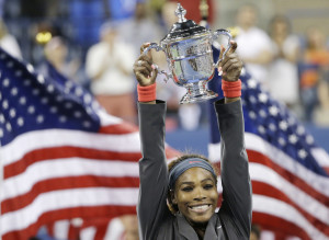 Serena Williams lifts the U.S. Open trophy in New York Photo: AP
