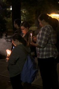 Hofstra University in New York holds a vigil to honor Clementi (Creative commons photo by Flickr user MikaelleS)