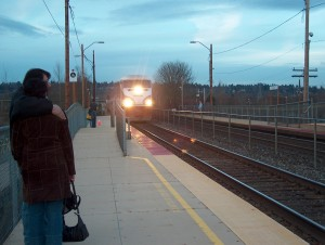 An Amtrak train pulls into the station at Tukwila, Washington (Creative Commons photo by Pat Kight) - http://www.flickr.com/photos/kightp/411626456/