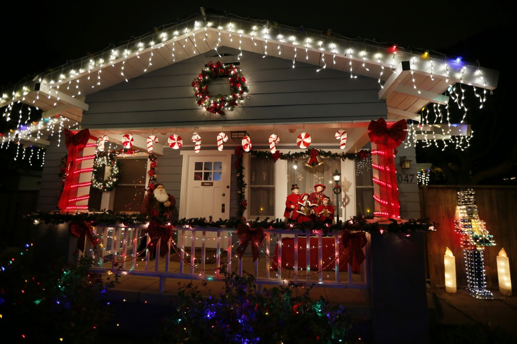 Lights on a California house (Photo: Reuters)