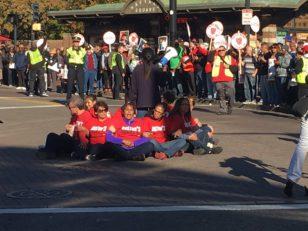 "(via Twitter) @EdwinMoves: ""#HarvardStrike food service workers shut down #Harvardsquare"""