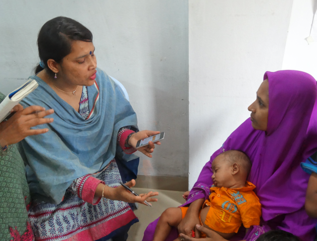 Community health workers in Bangladesh use the MEDSINC platform during early trials. (THINKmd)