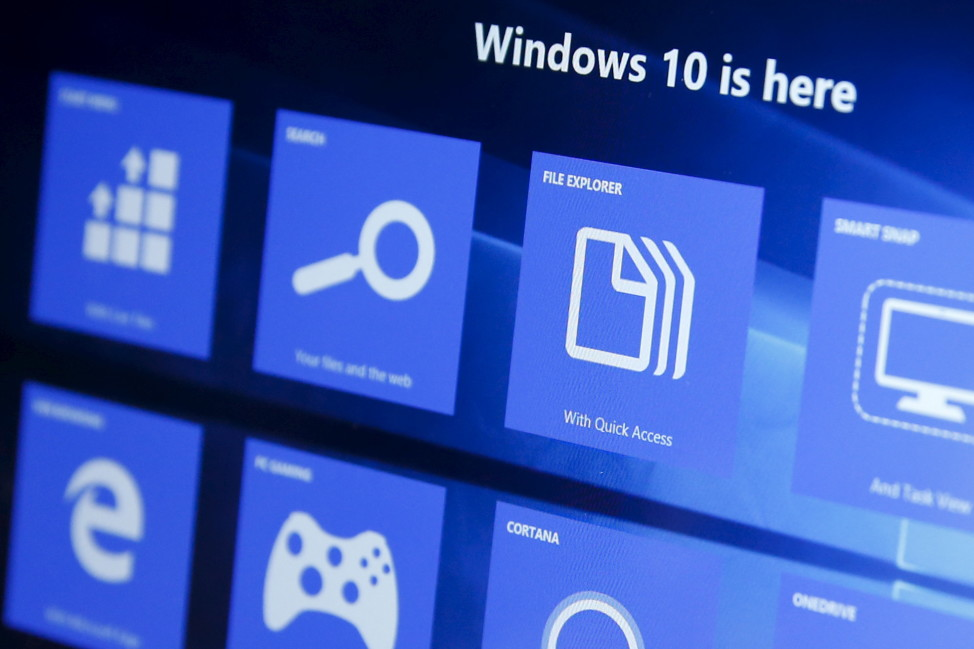 A computer screen shows features of the Windows 10 operating system, including Microsoft's new Web browser, Edge, at the bottom left corner, Garden City, New York July 29, 2015.  (Reuters)