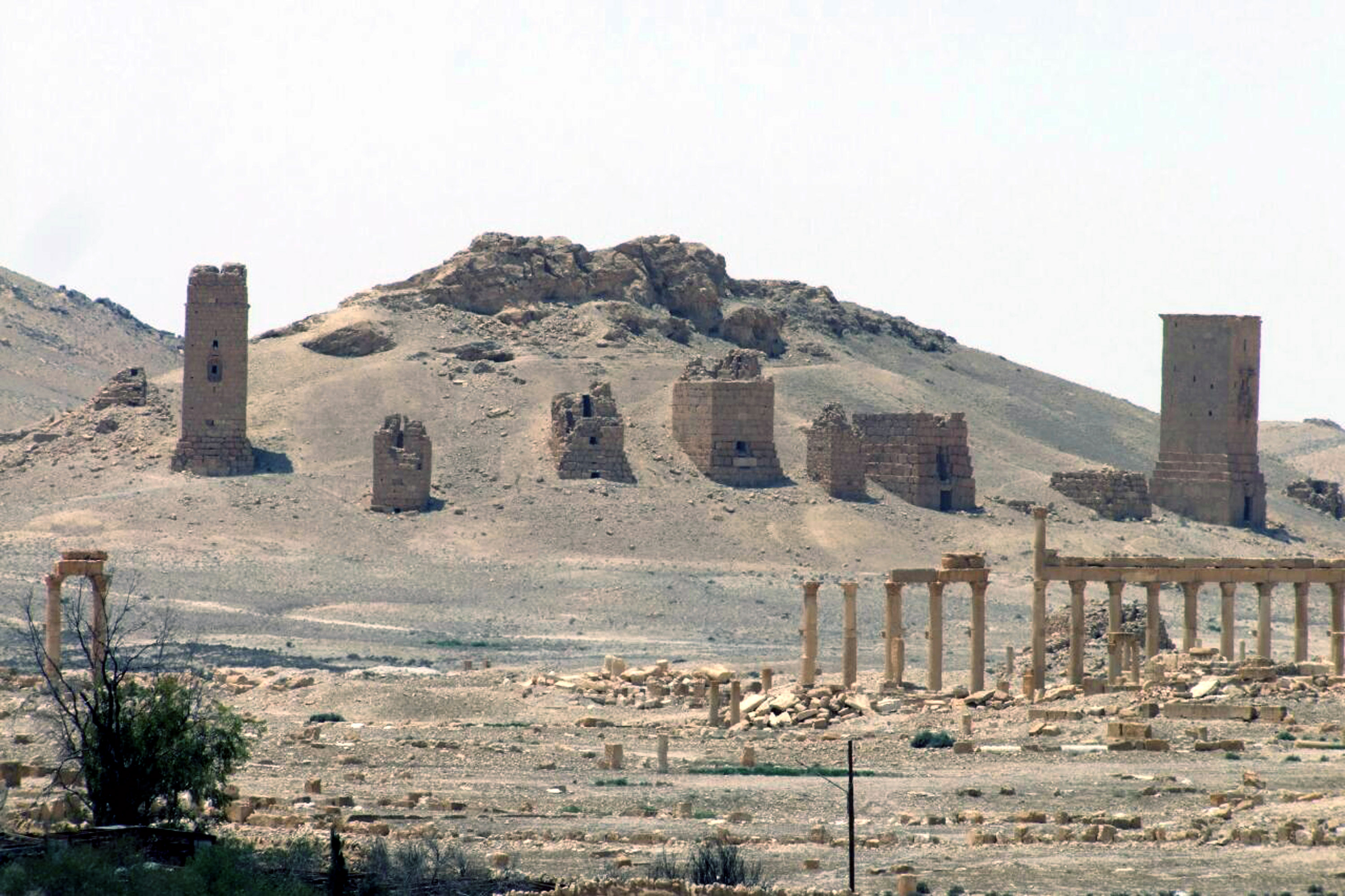A May 17, 2015 file photo released by the Syrian official news agency SANA, shows a general view of the ancient Roman city of Palmyra, northeast of Damascus. Syrian activists say Islamic State militants have destroyed a nearly 2,000-year-old arch in Palmyra, the latest victim in the group's campaign to destroy historic sites across the territory it controls in Iraq and Syria. (AP)