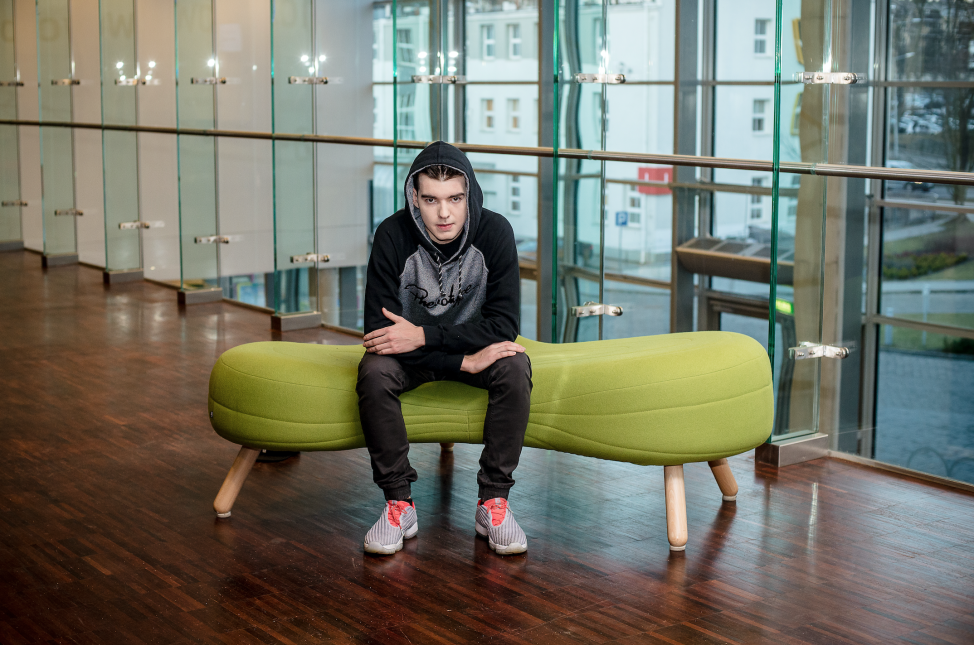 Mateusz Mach, CEO of Five, an app for deaf users, poses for a photo in his Hip-hop garb. (Mateusz Mach)
