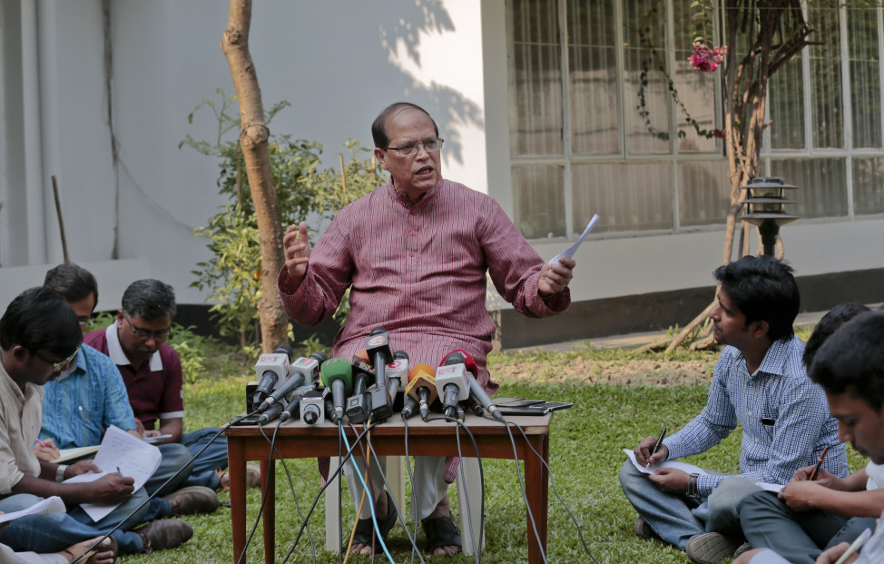 Bangladesh Bank Governor Atiur Rahman who resigned Tuesday  speaks during a press conference in Dhaka, Bangladesh, March 15, 2016. The head of Bangladesh's central bank resigned on Tuesday, after hackers diverted $81 million from the country's account with the Federal Reserve Bank in New York. (AP)