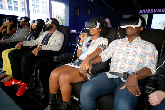 Festival goers experience Samsung Gear VR at The Samsung Studio at SXSW 2016 on March 12, 2016 in Austin, Texas. (AFP)