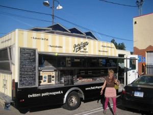 "The cruising ""Pattywagon"" in Los Angeles serves ""100% grainfed beef"" from cows who once placidly grazed in Wyoming's Teton Valley.  (ubrayj02, Flickr Creative Commons)"