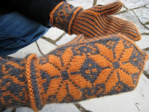Beautiful Norwegian mitts.  What could be more appropriate for use in North Dakota?  (Sarahemcc, Flickr Creative Commons)