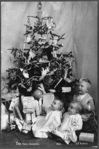 "Not all trees that ""Santa Claus put up"" were elegant, but that was never the point.  (Library of Congress)"