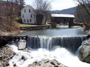 Here's an idea of how tranquil Warren looks in this quintessential New England scene. (The Valley Reporter)