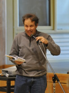Warren resident Dean Auschlander makes a point at the 2009 Warren town meeting. (John Williams, The Valley Reporter)