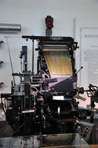 The hot, noisy, cumbersome linotype machine.  (Metaphox, Flickr Creative Commons)