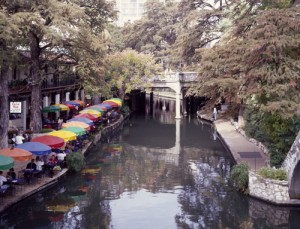 If ever there were a place that looked relaxing, the River Walk is it.  (Carol M. Highsmith)