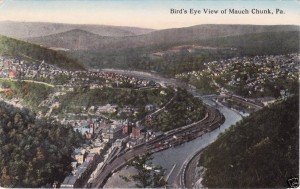 Then-thriving Mauch Chunks in a 1915 postcard view.  (Wikipedia Commons)