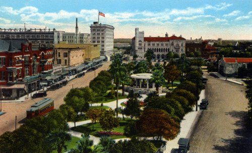 Old, but not REALLY old, San Antone, vintage 1940 in a postcard view.  (Library of Congress)