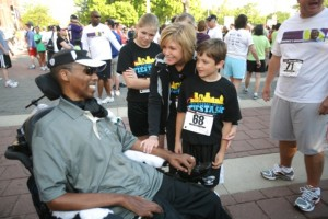 O.J. at a five-kilometer run benefiting other ALS victims.  (www.BriganceBrigade.org)