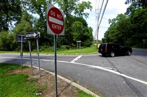 This is the exit ramp off the Taconic Parkway at Pleasantville Road, down which Diane Schuler drove directly into the teeth of parkway traffic.  (AP Photo)