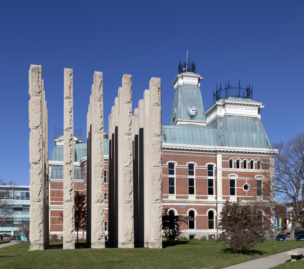 Pillars, added to the courthouse grounds, are a veterans' memorial.  (Carol M. Highsmith)