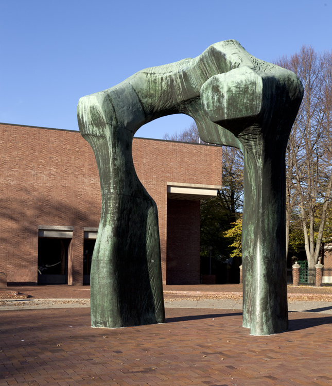 Henry Moore's bronze arch at the Columbus Public Library.  (Carol M. Highsmith)