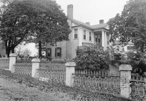 This was the Pratt homestead that met the wrecking ball.  (W.N. Manning, Library of Congress)