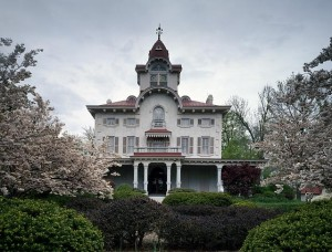 The Ryerrs Victorian mansion was built in Philadelphia's fancy Fox Chase neighborhood.  (Carol M. Highsmith)